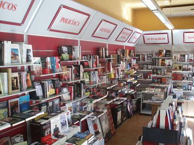 Librería Estudio en Escarlata